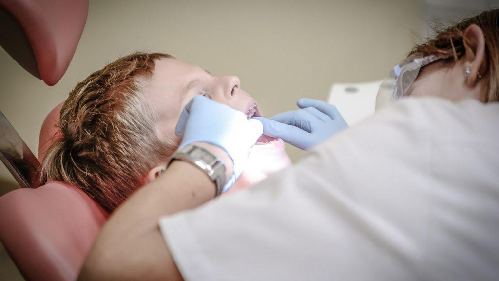 Pourquoi voir un dentiste régulièrement ?